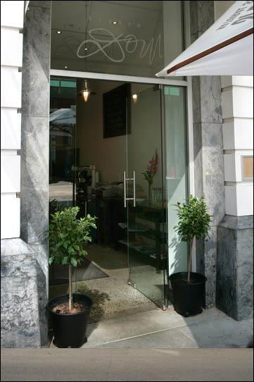 frameless glass commercial doors